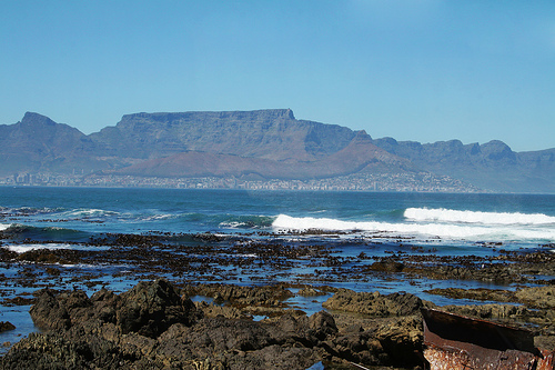View of Cape Town and Table Mountain. Photo: aprillynn77, used under Creative Commons License (By 2.0)