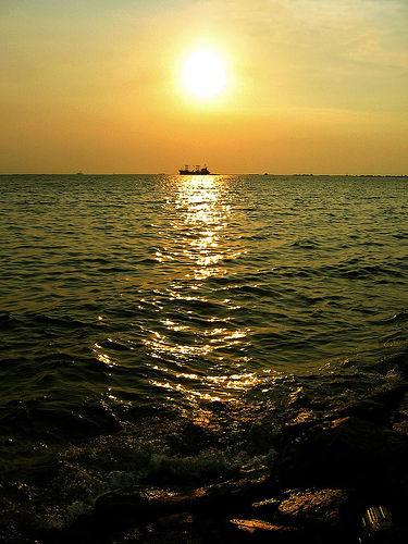 Manila Bay Sunset - Photo: fictures, used under Creative Commons License (By 2.0)