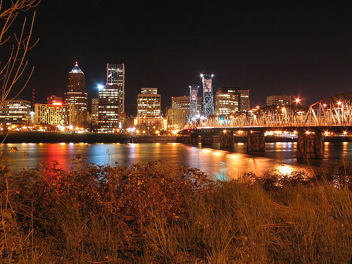 Hawthorne Bridge - Portland. Photo: Mulling It Over, used under Creative Commons License (By 2.0)