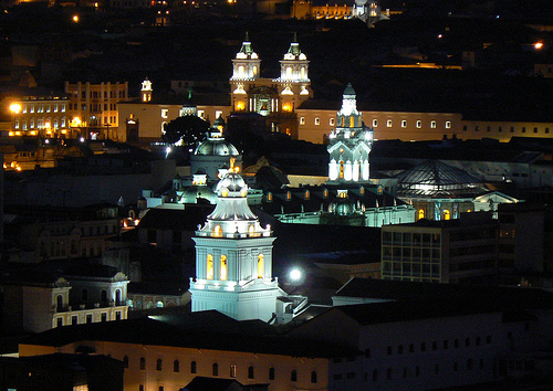 Quito at Night. Photo: L.Marcio_Ramalho, used under Creative Commons License (By 2.0)