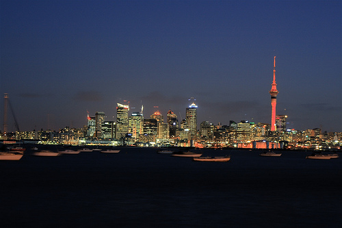Auckland at night. Photo: 23am.com, used under Creative Commons License (By 2.0)