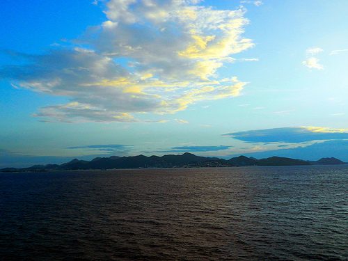 St. Marteen before Sunrise Photo: pfarrell95, used under Creative Commons License (By 2.0)