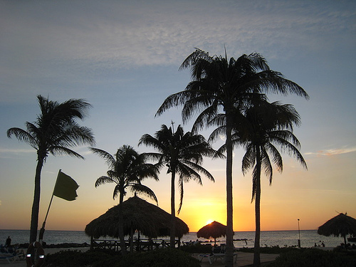Curacao Sunset. Photo: Flynbyu, used under Creative Commons License (By 2.0)