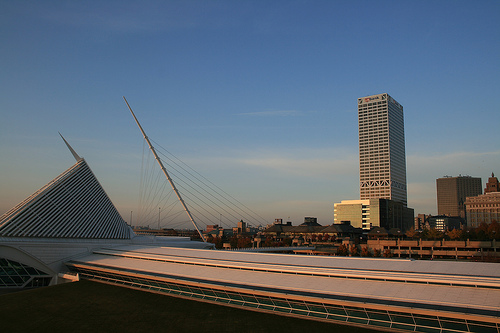 Milwaukee Art Museum. Photo: tarikabdelmonem, used under Creative Commons License (By 2.0)