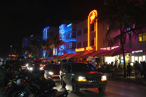 South Beach, Miami @ Night Photo: __karora, used under Creative Commons License (By 2.0)
