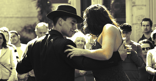 Tango in Buenos Aires, Argentina. Photo: Gustavo Brazzalle , used under Creative Commons License (By 2.0)