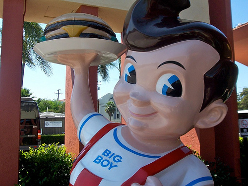 Bob's Big Boy, Burbank, California Photo: Burger Baroness, used under Creative Commons License (By 2.0)