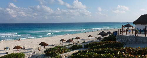 Beach, Cancun, Mexico - Photo: Tristan Higbee, used under Creative Commons License (By 2.0)