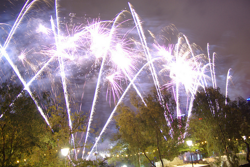 Fireworks, Melbourne, Australia - Photo: Mike Hauser, used under Creative Commons License (By 2.0)