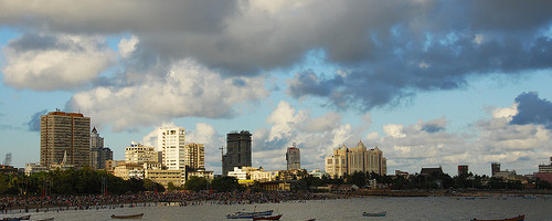 Chowpatty end of Marine Drive, Mumbai, India - Photo: AshuGarg, used under Creative Commons License (By 2.0)