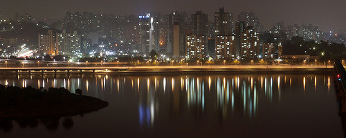 Seoul at Night - Photo: valeuf, used under Creative Commons License (By 2.0)
