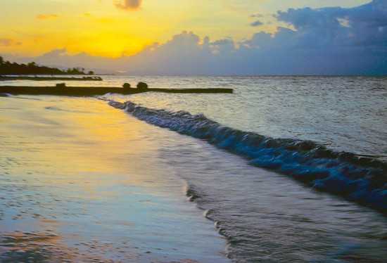 Sunset at Montego Bay, Jamaica - Photo: Mel Stoutsenberger, used under Creative Commons License (By 2.0)
