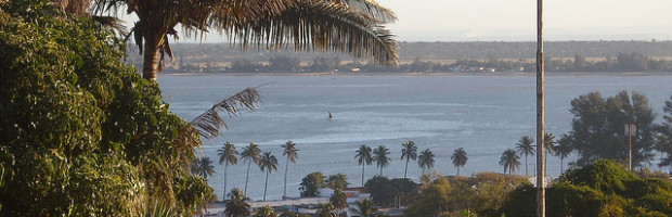 Maputo Bay, Maputo, Mozambique - Photo: rabanito, used under Creative Commons License (By 2.0)