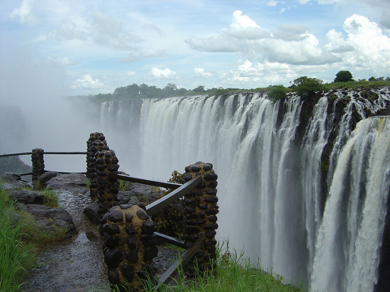 Victoria Falls, Zambia - Photo: garybembridge , used under Creative Commons License (By 2.0)