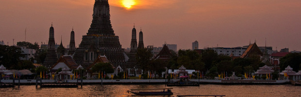 Wat Arun at Sunset, Bangkok, Thailand - Photo: Mark Fischer via Flickr, used under Creative Commons License (By 2.0)
