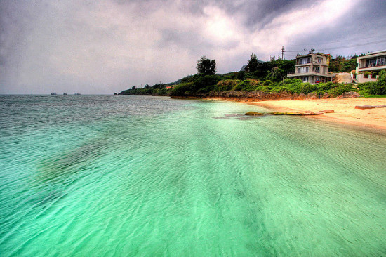 Okinawa, Japan - Photo: Kabacchi via Flicker, used under Creative Commons License (By 2.0)