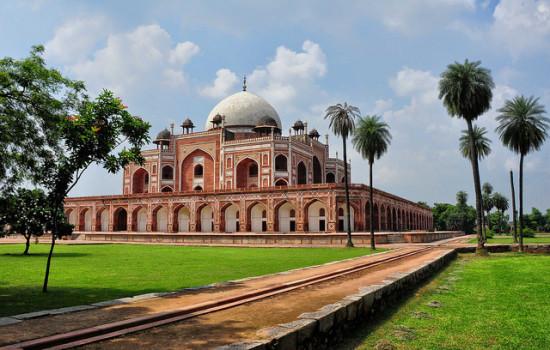 Humayun's Tomb, New Delhi, India - Photo: Rod Waddington via Flickr, used under Creative Commons License (By 2.0)