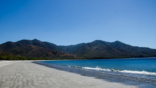 Playa Blanca, Guanacaste, Costa Rica - Photo: thejaan via Flickr, used under Creative Commons License (By 2.0)
