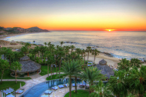 Sunrise, Cabo San Lucas, Mexico - Photo: Steve McClanahan via Flickr, used under Creative Commons License (By 2.0)