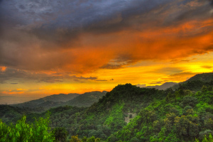 Sunset, Outside of Cebu City, Philippines - Photo: mendhak via Flickr, used under Creative Commons License (By 2.0)