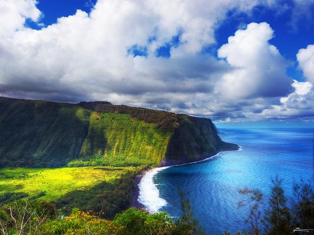 Hawaiian Air – $333: Portland – Kona, Hawaii (and vice versa). Roundtrip, including all Taxes