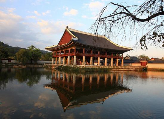 Gyeongbok Palace, Seoul, South Korea - Photo: Bridget Colla via Flickr, used under Creative Commons License (By 2.0)