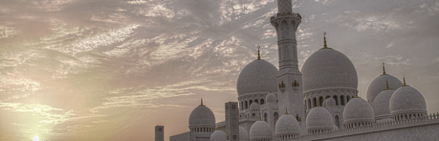 Grand Mosque, Abu Dhabi, United Arab Emirates - Photo: lam_chihang via Flickr, used under Creative Commons License (By 2.0)