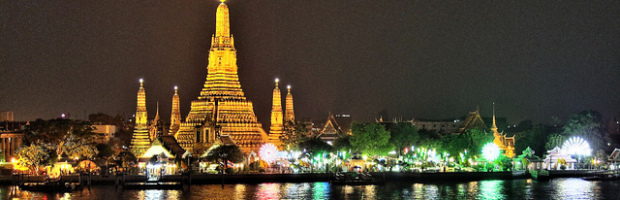 Wat Arun at Night, Bangkok, Thailand - Photo: Paul_012 via Flickr, used under Creative Commons License (By 2.0)