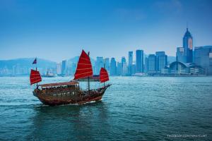 Sailing in Hong Kong - Photo: Prachanart Viriyaraks via Flickr, used under Creative Commons License (By 2.0)