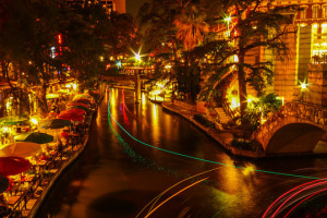 Riverwalk, San Antonio, Texas - Photo: Sarath Kuchi via Flickr, used under Creative Commons License (By 2.0)
