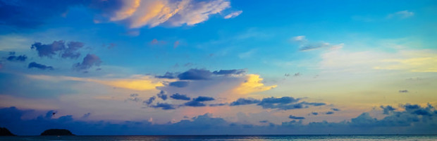 Karon Beach, Phuket, Thailand - Photo: Luke Ma via Flickr, used under Creative Commons License (By 2.0)