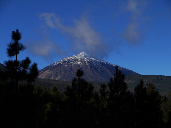 El Teide Volcano, Tenerife, Spain - Photo: GanMed64 via Flickr, used under Creative Commons License (By 2.0)