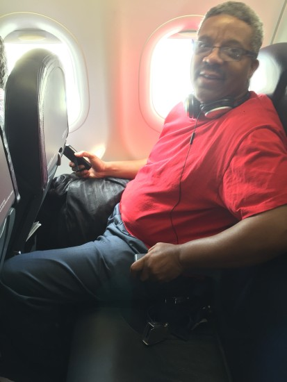 "This man was kind enough to let me take a picture of his 28"" seat pitch, ""So that others will learn a lesson not to fly this airline again."" - Photo: real_jetsetr"
