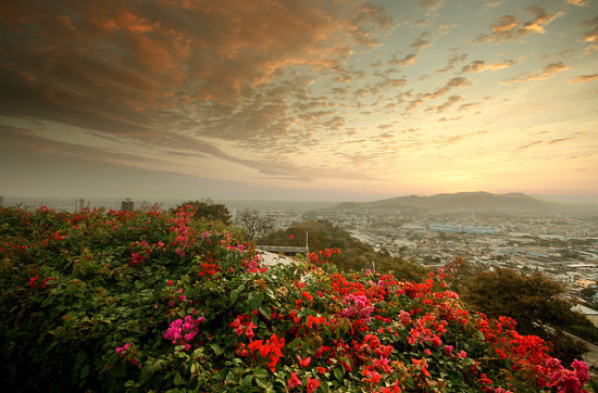 Guayaquil, Ecuador - Photo: oliver hadfield via Flickr, used under Creative Commons License (By 2.0)
