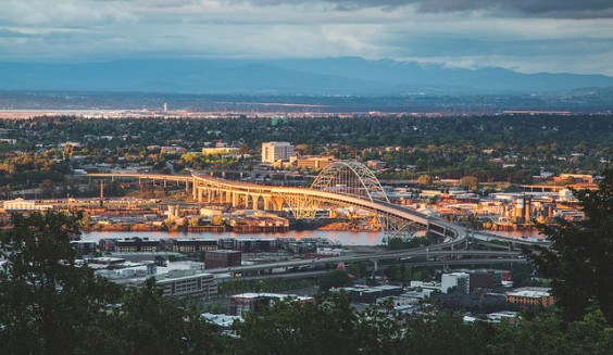 Delta – $96: Los Angeles – Portland, Oregon (and vice versa). Roundtrip, including all Taxes