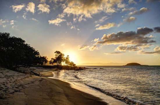 Sunset in Guadeloupe - Photo: Josian via Flickr, used under Creative Commons License (By 2.0)