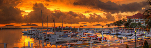 Sutera Harbor Sunset, Kota Kinabalu, Malaysia - Photo: Jo Schmaltz via Flickr, used under Creative Commons License (By 2.0)