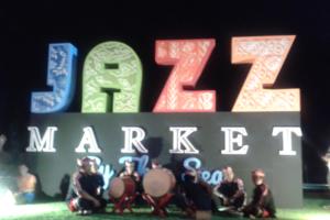 Jazz Market by the Sea at Night, Bali, Indonesia - Photo: (c) 2016 - Kelley Akhiemokhali of (Im)migrating With A Purpose