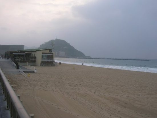 Playa de La Zurriola), San Sebastian, Spain - Photo: (c) 2016 - Dan Cruse