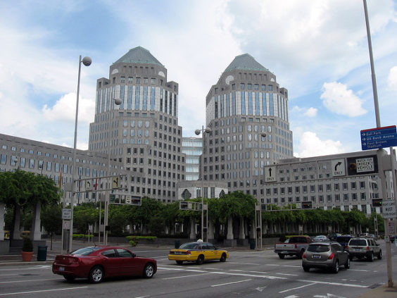 Delta: San Francisco – Cincinnati, Ohio (and vice versa). $229 (Regular Economy) / $159 (Basic Economy). Roundtrip, including all Taxes