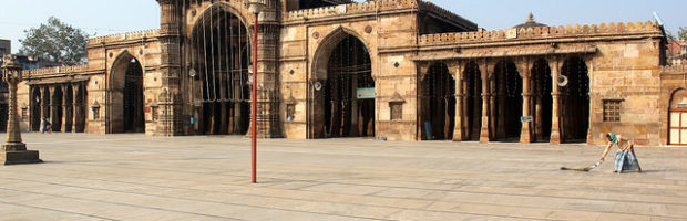 Jama Masjid, Ahmedabad, India  - Photo: Nagarjun Kandukuru via Flickr, used under Creative Commons License (By 2.0)