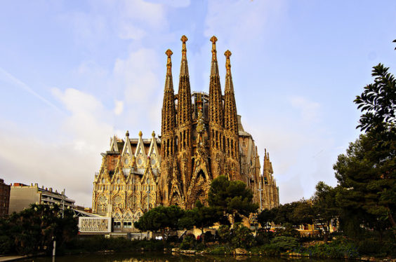 Delta – $415: Philadelphia / Chicago – Barcelona / Madrid, Spain. Roundtrip, including all Taxes