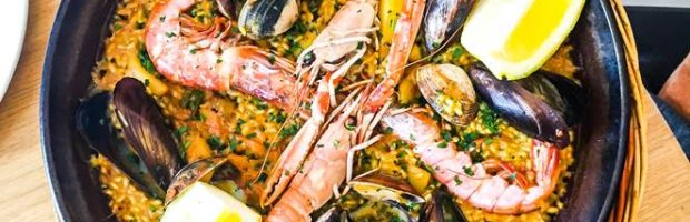 Delicious, fresh paella served beachside - Photo: (c) 2017 - Yvonne of Hello Wander World