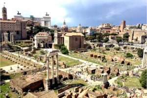 The Roman Forum – full of history and legendary views - Photo: (c) 2017 - Yvonne of Hello Wander World