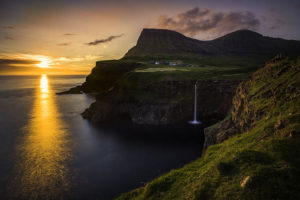 Sunset at Gásadalu, Faroe Islands - Photo: Ævar Guðmundsson via Flickr, used under Creative Commons License (By 2.0)
