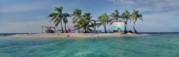 From Placencia, you can catch a boat to Silk Caye, a popular destination for snorkelers - Photo: (c) 2019 - Min Lee of Fuglee Studio