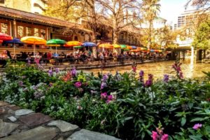 """River Bend"" section of the River Walk near the Alamo, San Antonio - Photo: (c) 2019 - Jim Fatzinger, The Travel Organizer"
